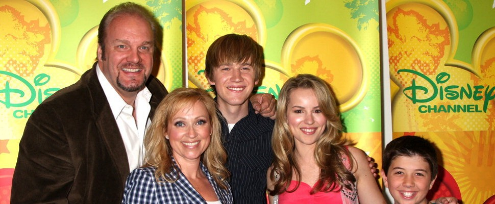 Disney Channel Usa, polemica per genitori gay in Good Luck Charlie