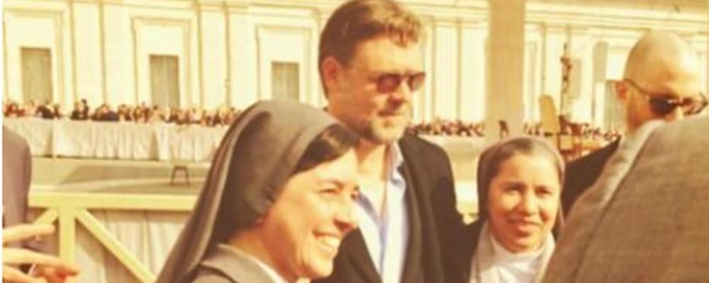 Russell Crowe in Vaticano, ma il papa non incontra Noè