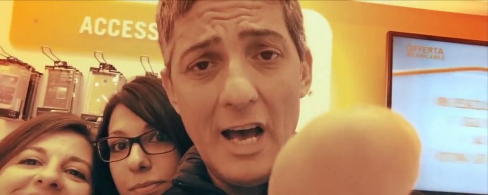 Fiorello e i suoi selfie nel nuovo spot tv Wind