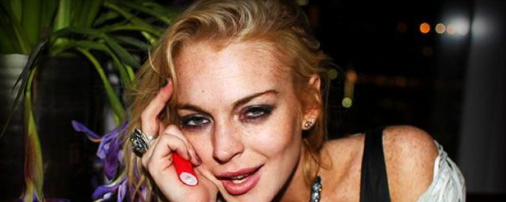 Lindsay Lohan confessa al reality: 'Ho ripreso a bere'