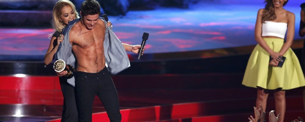 Mtv Movie Awards, Zac Efron, è il 'migliore senza maglietta'