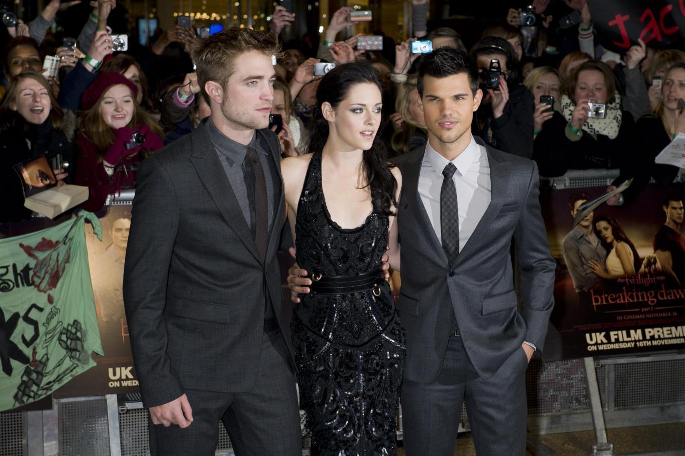 Kristen Stewart incontri Robert Pattinson 2011 definizione di dating Webster