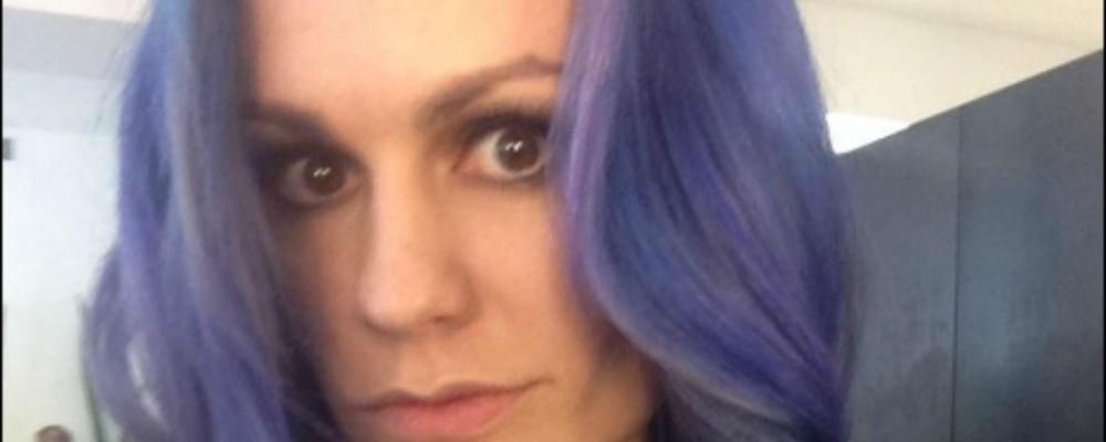 Anna Paquin, capelli viola come una sirenetta