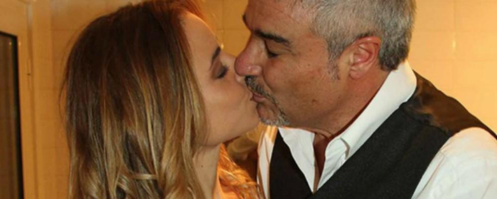 Pino Insegno: arriva il terzo figlio, il primo avuto da Alessia Navarro