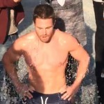 Ice Bucket Challenge, scendono in campo i super sexy di Hollywood