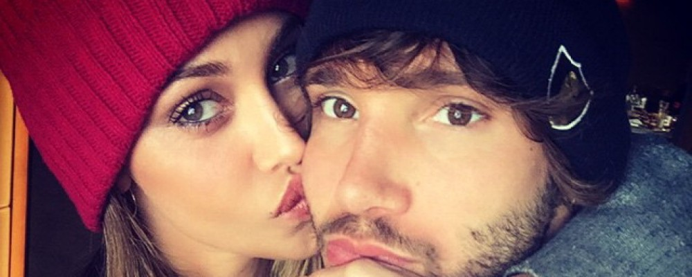 Belen Rodriguez e Stefano De Martino, scatta il bacio in pista: VIDEO