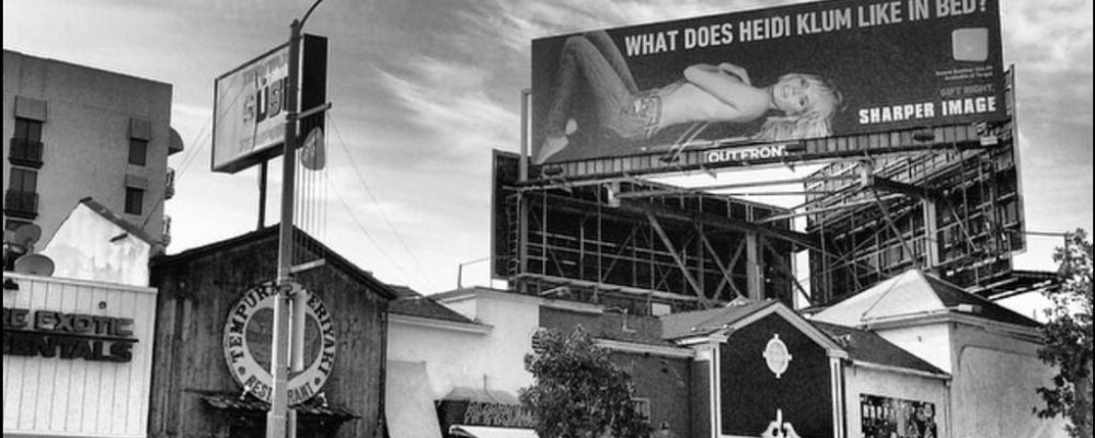 Heidi Klum come Belen, la sua pubblicità troppo osè sostituita a Las Vegas