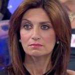 Uomini e donne, Barbara De Santi fuori controllo lancia scarpe al trono over: anticipazioni