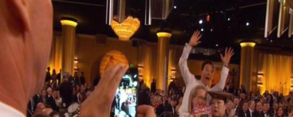 Golden Globes 2015, il photobombing di Benedict Cumberbatch