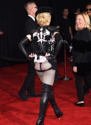 Madonna, ai Grammy Awards la provocazione è sexy