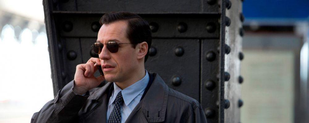 1992, un nuovo inizio tra attentati mafiosi e scalate al potere con Stefano Accorsi