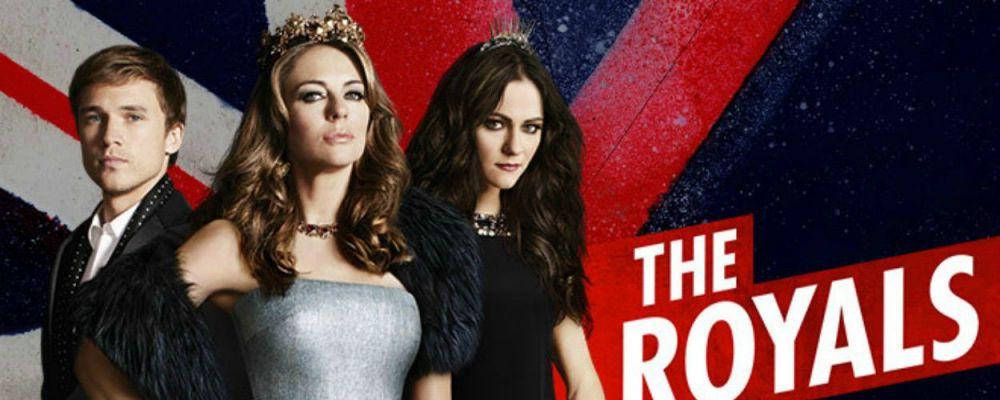 The Royals: Elizabeth Hurley è la (sexy) Regina d'Inghilterra
