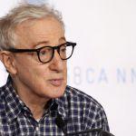 Molestie, Woody Allen attaccato dal Washington Post: 'E' ossessionato dalle minorenni'