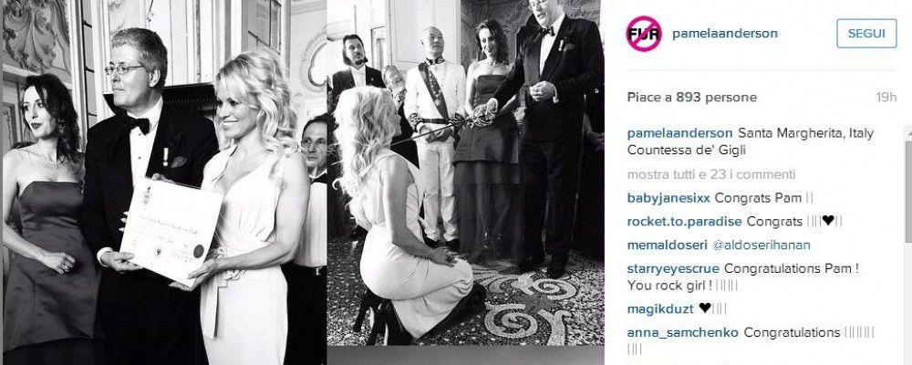 Pamela Anderson diventa contessa: onorificenza in Italia