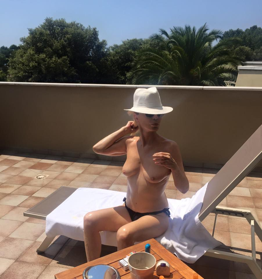 perfetto nudo ragazza immagini