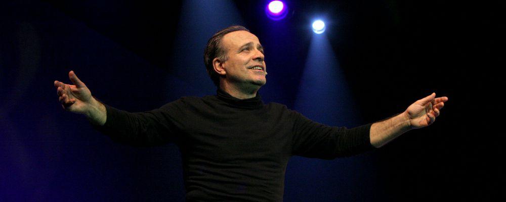 Ascolti tv: lo show di Enrico Montesano su Rai1 conquista il pubblico