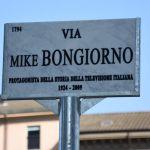 Via Mike Bongiorno, Milano celebra il re del quiz