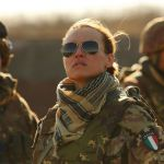 Soldato Kasia,  la Smutniak vittima di un attentato in 'Limbo'