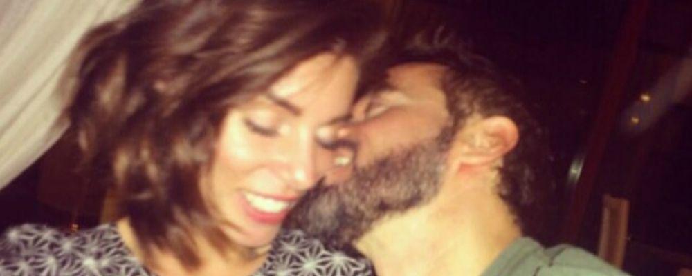 Max Biaggi e Bianca Atzei: la coppia esce allo scoperto con un tenero bacio