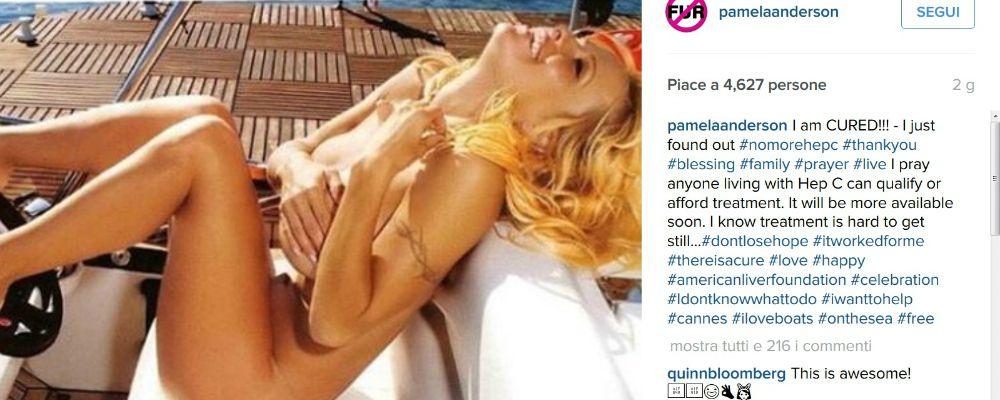 """Pamela Anderson, entusiasta e senza veli: """"Ho vinto l'epatice C"""""""