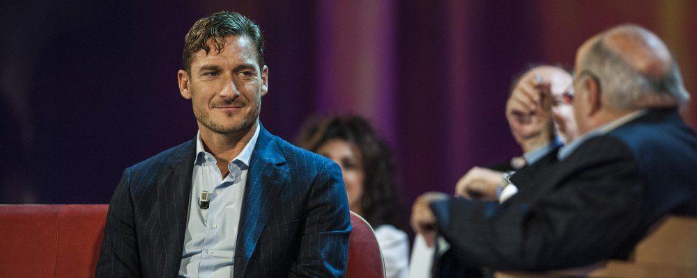 """Francesco Totti al Maurizio Costanzo Show: """"Gioco ancora 2 o 3 anni"""""""