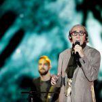 Franco Battiato sta bene: il cantautore riappare in una nuova foto sui social