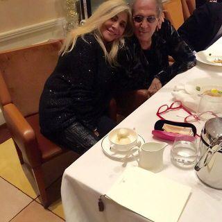 Mara Venier, super cenone di Natale con  Adriano Celentano e Claudia Mori