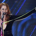Sanremo 2016, prima serata: Arisa, Noemi, Bluvertigo, Ruggeri, Fornaciari e il nastro arcobaleno