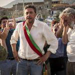 Il sindaco pescatore, le foto di scena del film tv con Sergio Castellitto