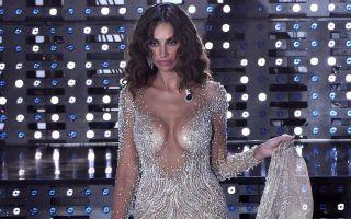 Sanremo 2016, Madalina Ghenea: nude look per la finale