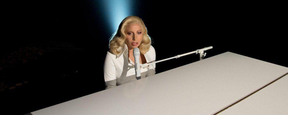 Lady Gaga canta contro gli stupri, la commovente reazione di nonna e zia
