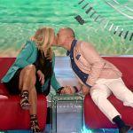 Isola dei famosi 2016, Claudia Galanti e Matteo Cambi a casa, sulla zattera Cristian Gallella in arrivo