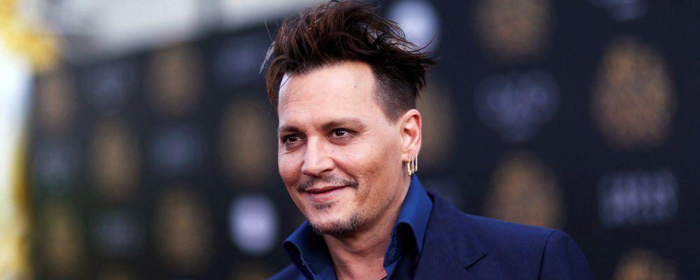 Johnny Depp torna come Cappellaio matto e dice: 'Sono orgoglioso di mia figlia Lily-Rose'