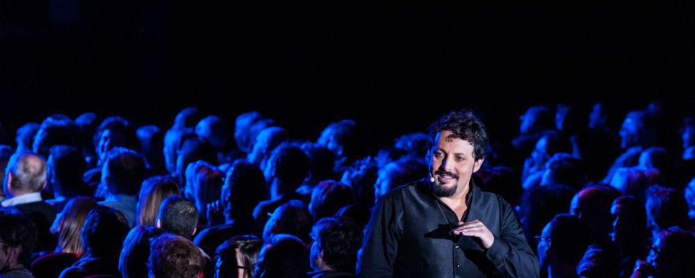 Evolushow 2.0, Enrico Brignano su Canale 5 con lo spettacolo più visto del 2015
