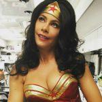 Sofia Vergara diventa Wonder Woman, il misterioso tatuaggio delle sorelle Stark