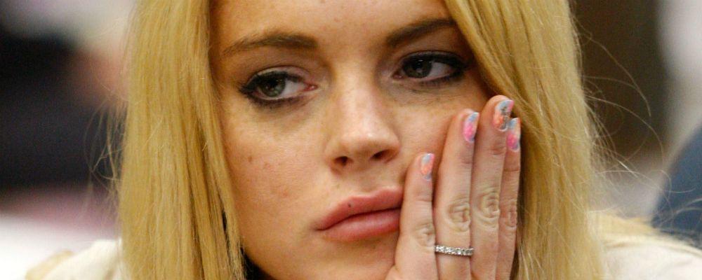 Lindsay Lohan, brutto incidente in barca: dito mozzato