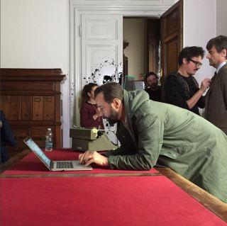 Untraditional con Fabio Volo, le foto dal set e le guest star