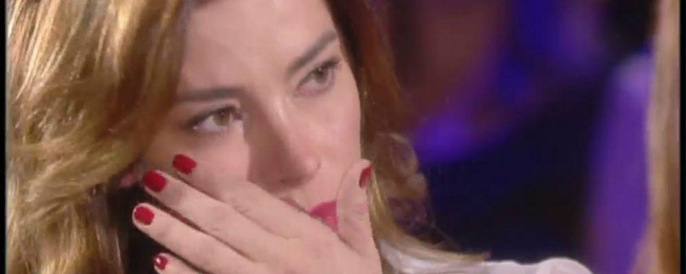 Verissimo: 'Hai subito violenza?'. Aida Yespica in lacrime