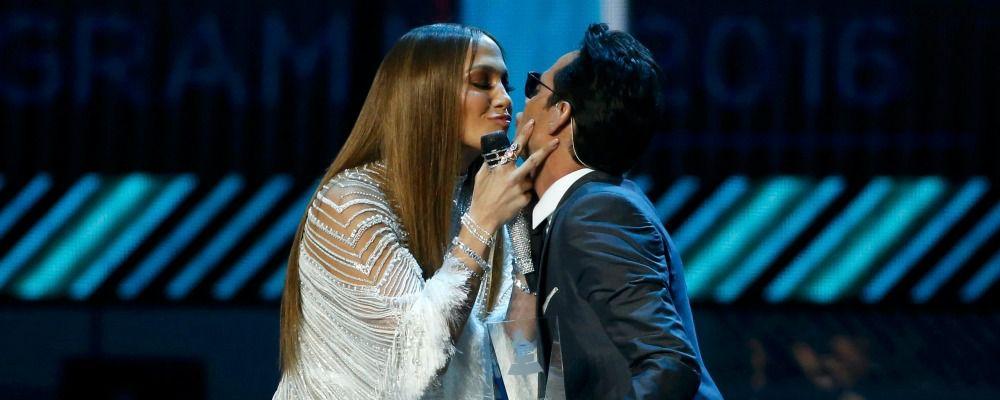 Marc Anthony bacia Jennifer Lopez e lascia la moglie