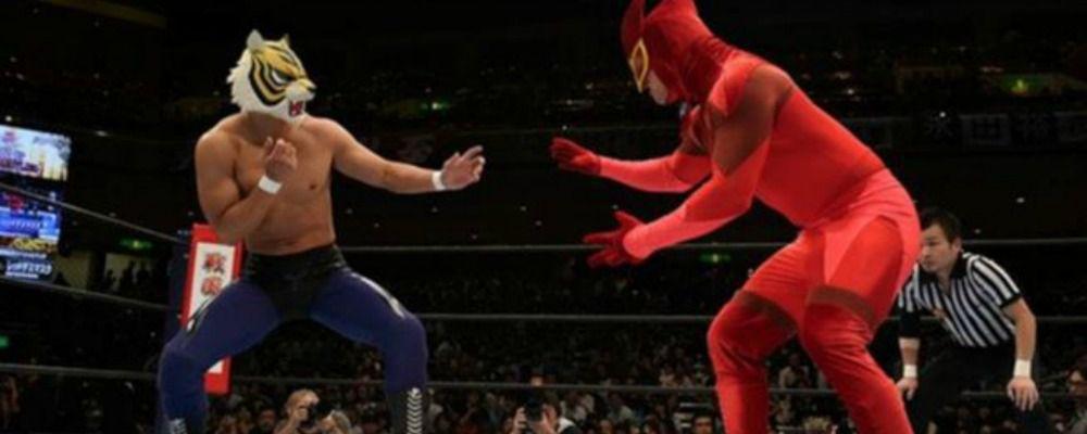Wrestling è tornato l uomo tigre il giappone è in delirio per