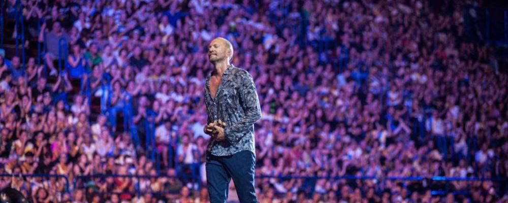 Biagio Antonacci scopre truffa in suo nome e regala partecipazione al tour