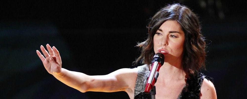 """Bianca Atzei annulla i concerti: """"Solo tanto amore per te"""""""
