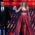 Sanremo 2017, Diletta Leotta contro il cyberbullismo. Ma la criticano per l'abito