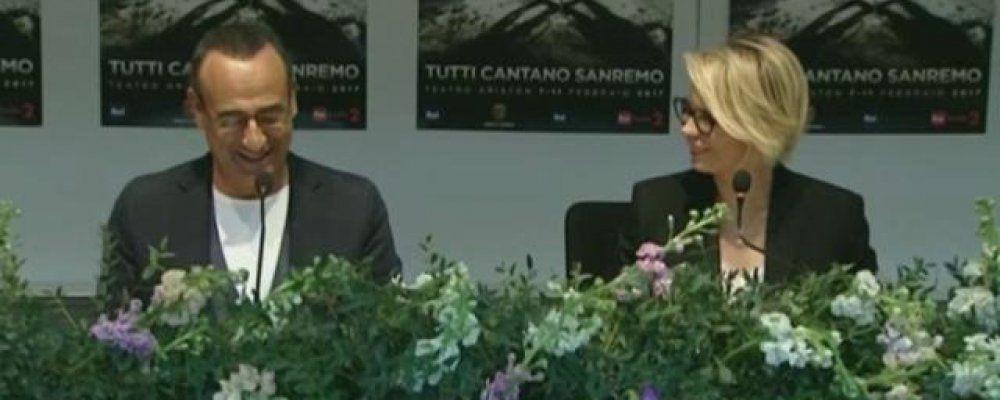 """Sanremo 2017, Maria De Filippi: """"Ad Amici sto comoda, qui mi fanno male i piedi"""""""