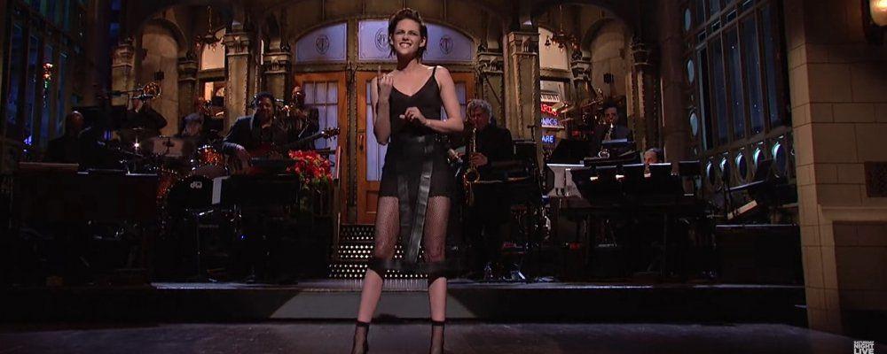 Kristen Stewart al Saturday Night Live 'Non piaccio a Trump perché gay'