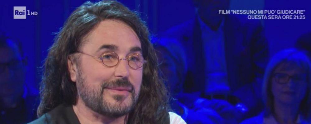 Scialpi aggredito perché gay: il cantante a La vita in diretta sotto ansiolitici: 'Mi sono sentito morire'