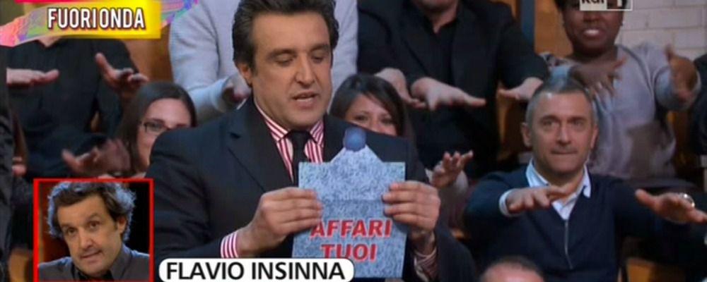 Striscia la notizia, i fuorionda di Flavio Insinna ad Affari Tuoi: 'Sta nana'