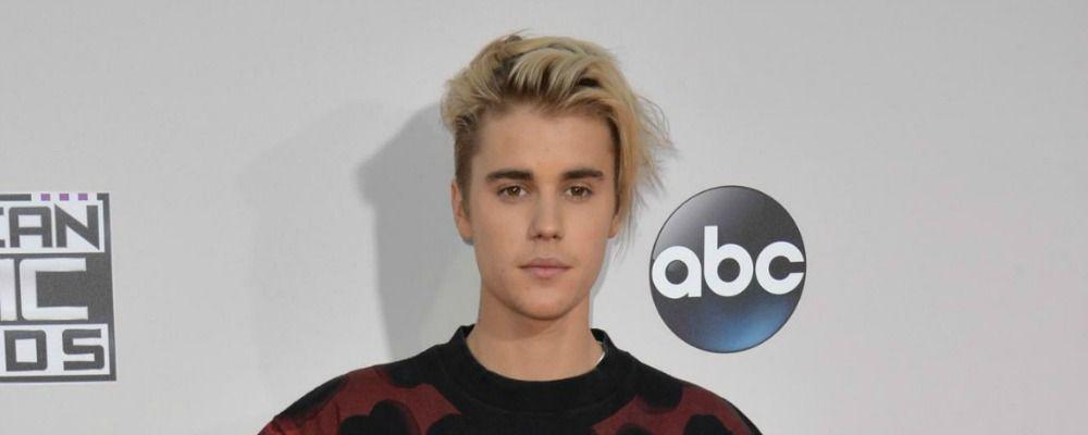 Justin Bieber, artista di strada in incognito a Londra