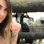 Melissa Satta sotto accusa per la foto in aereo