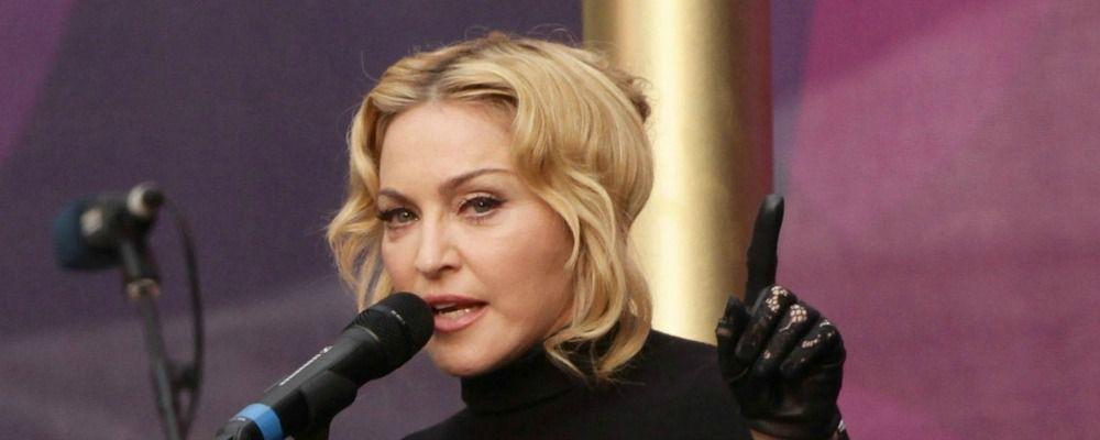 Madonna blocca l'asta della lettera di Tupac e degli insulti a Whitney Houston